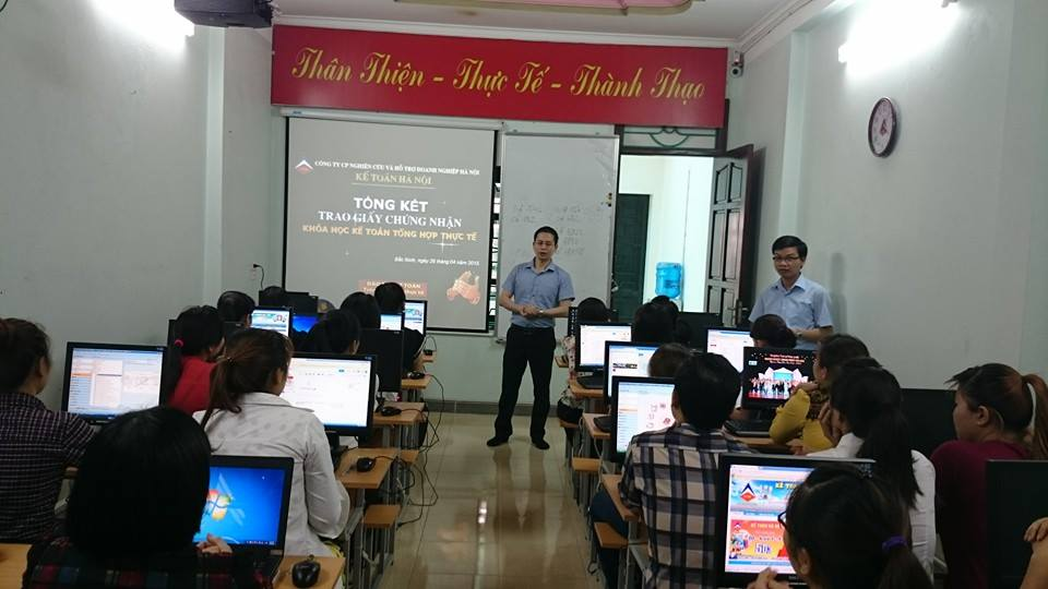 Lớp học kế toán thực hành tại Hải Phòng